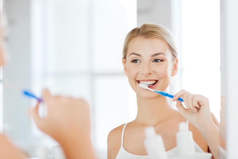 đánh răng đều đặn