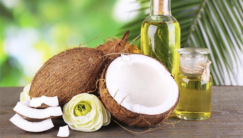 Dầu dừa là nguyên liệu tự nhiên an toàn cho mái tóc