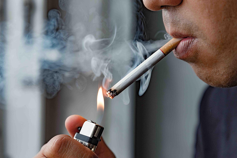 hút thuốc gây loãng xương